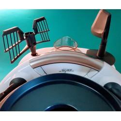 TRIO-PARAT TM5 rechts - Ansicht von vorne, Spatel mit der rechten Hand zu entnehmen